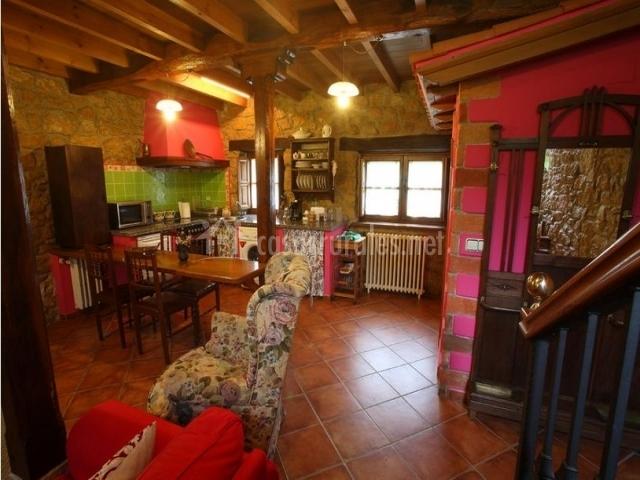 Encantador Cocina De La Cabaña Combinado Salón Modelo - Ideas para ...