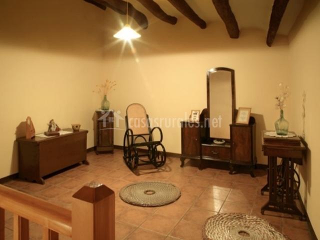 Cal drac en puigdalber barcelona for Muebles antiguos barcelona