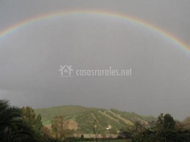 Zonas naturales con arcoiris