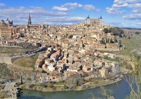 Toledo rodeada por El Tajo