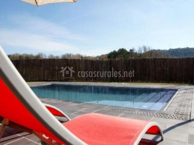 Casa rovira en sant agusti de llu anes barcelona for Hamacas de piscina