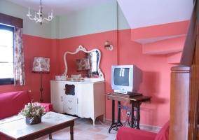 Salón con calefaccion de carbón azul