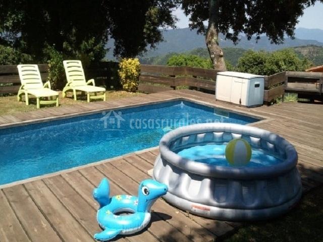 Piscina y piscina infantil