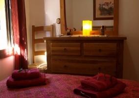 Dormitorio con mueble