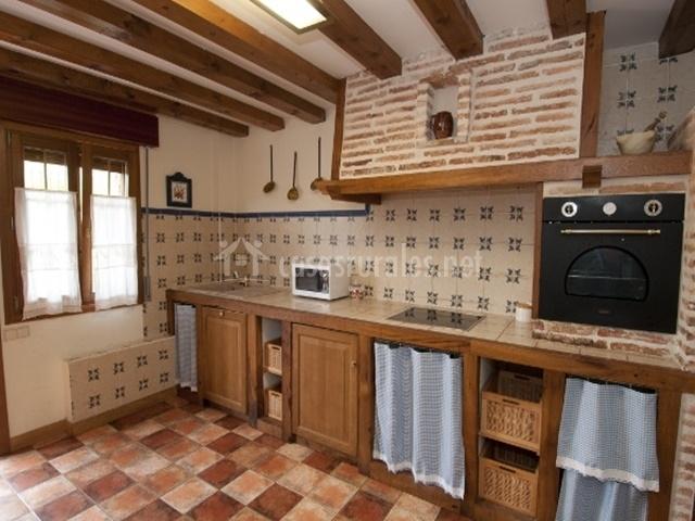 Casa rural el olmo en el rasillo la rioja - Cocinas de pueblo ...