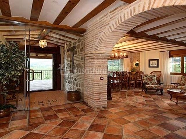 Casa rural el olmo casas rurales en el rasillo la rioja - Arcos de ladrillo rustico ...