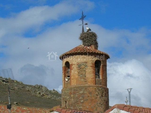 Iglesia con cigüeña