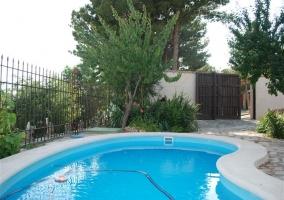 Exterior de la casa con piscina