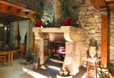 Casas rurales con chimenea en villanueva de la pe a - Chimeneas santaeulalia ...