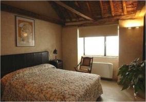 Habitación doble con cama de matrimonio y calefacción