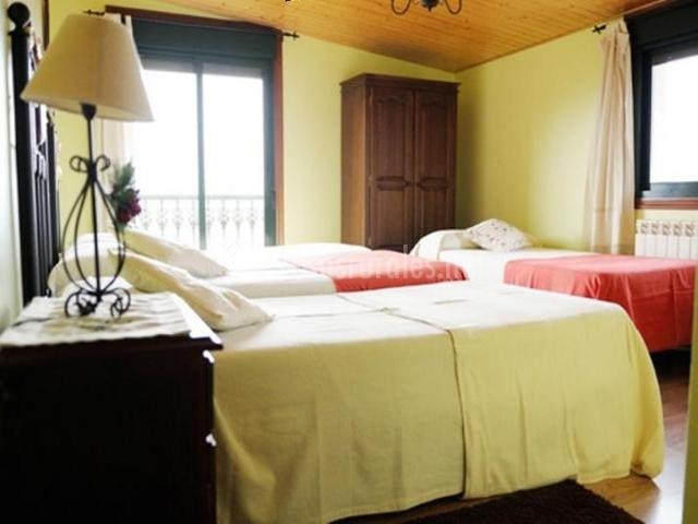 doble con cama de matrimonio dormitorio doble con cama supletoria