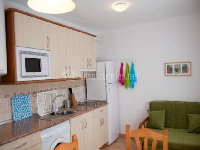 Apartamento C con cocina junto a la sala de estar