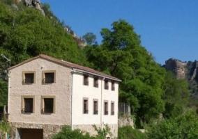 Amplias vistas de la fachada de los alojamientos