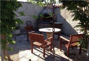 Casas rurales con barbacoa en otero de bodas for Casa jardin culebra