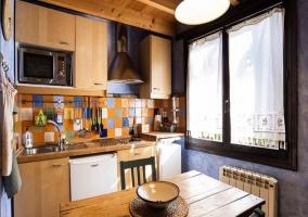 Salón comunicado con la cocina