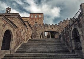 Acceso al casco antiguo de Cáceres