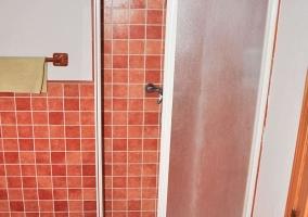 Peregrino amplia y su vista de la ducha