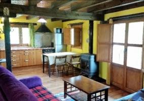 Sala de estar y cocina Casa del Pinar