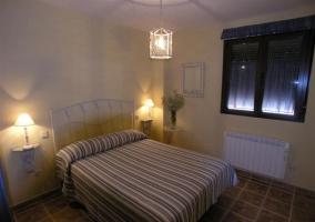 Dormitorio matrimonio cama grande