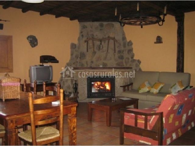 Casa rural la vega en san vicente de alcantara badajoz - Casa rural con chimenea en la habitacion ...