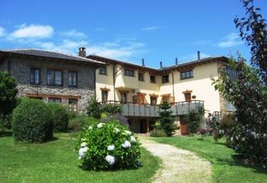 Apartamentos Llamabúa - Navia, Asturias