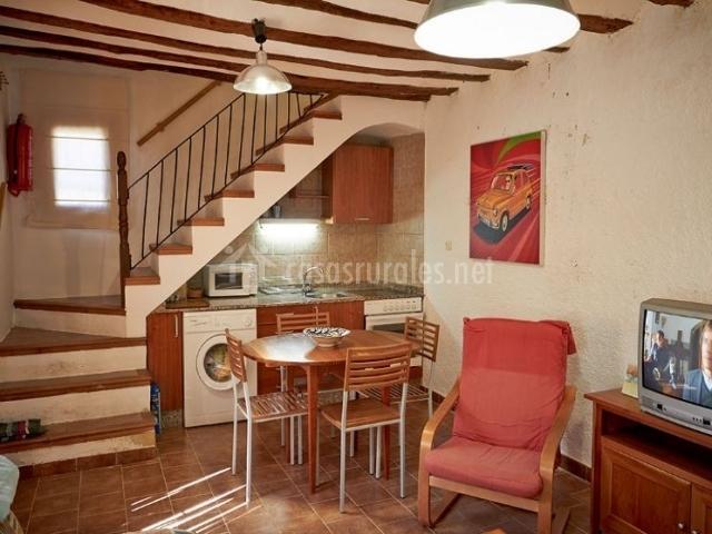 Cortijo de la solana casa peque a en abejuela albacete for Cocinas debajo de las escaleras
