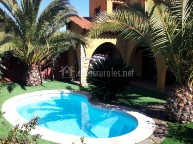 Casa rural lares casas rurales en casas de don pedro for Casas rurales en badajoz con piscina
