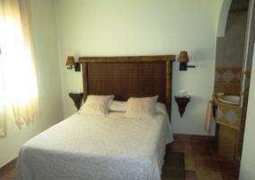 Dormitorio con cama de matrimonio Retama