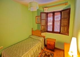 Dormitorio doble de color azul
