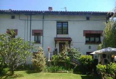 Hostal Rural Gartxenia - Larrainzar/larraintzar, Navarra
