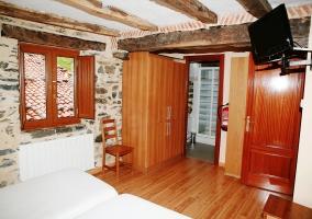 Apartamento de madera con bano incoporado