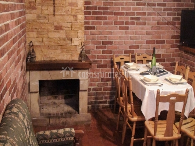 Casa rural ruta del cares i en tielve asturias for Casa rural con chimenea asturias
