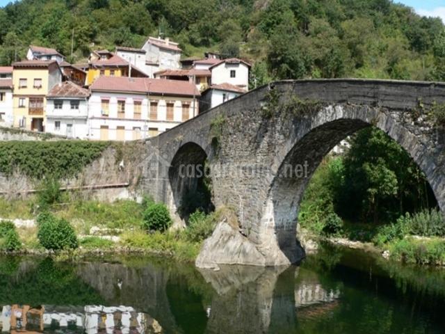 Puente en Pola de Laviana