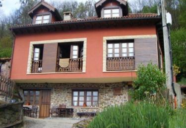 Les Cases d´Arriba - Paniceres (Laviana), Asturias