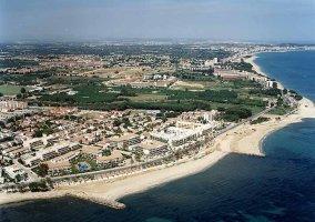 Vista aérea de Cambrils y la playa