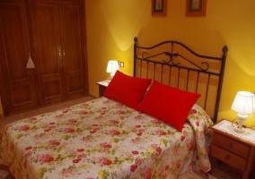 Dormitorio de matrimonio y su armario empotrado