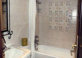 Aseo de la Hornacina con bañera