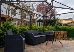 Vistas del patio con muebles de exterior