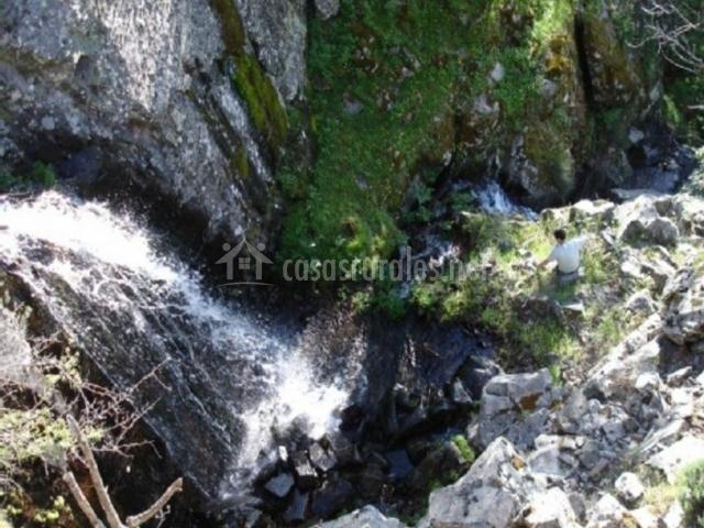 Zona natural con cascadas