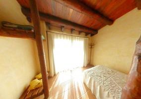 Dormitorio con altillo muy luminoso