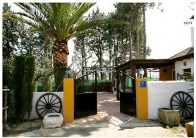 Puerta principal de acceso a la vivienda