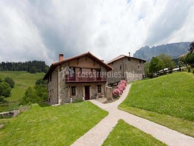 Casa y montaña