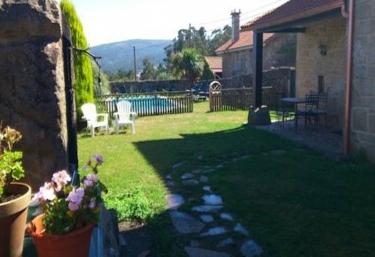 Casas rurales con piscina en r as bajas for Casas vacacionales con piscina