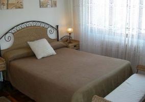 Dormitorio Study con cama de matrimonio