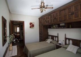 Dormitorio children con dos camas