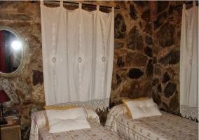 Dormitorio doble de piedra