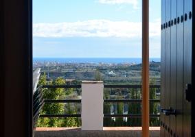 Vistas desde la terraza al campo y al mar