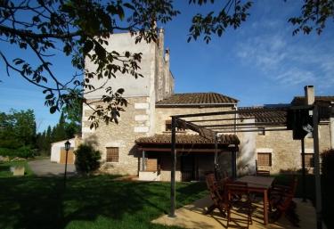Can Lleter - Cornella Del Terri, Girona