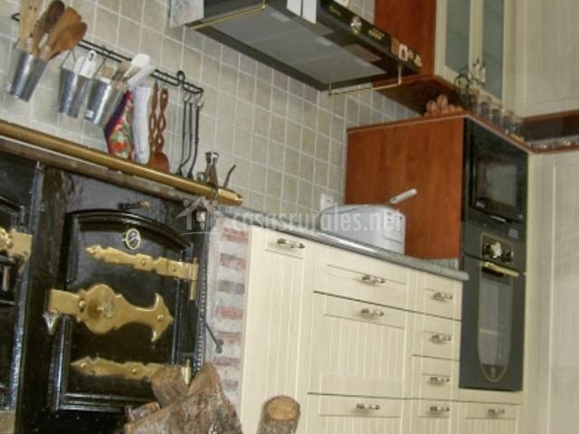 El cauce en san medel burgos - Cocinas con horno de lena ...
