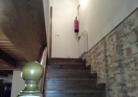 Escalera de acceso al piso superior de la casa